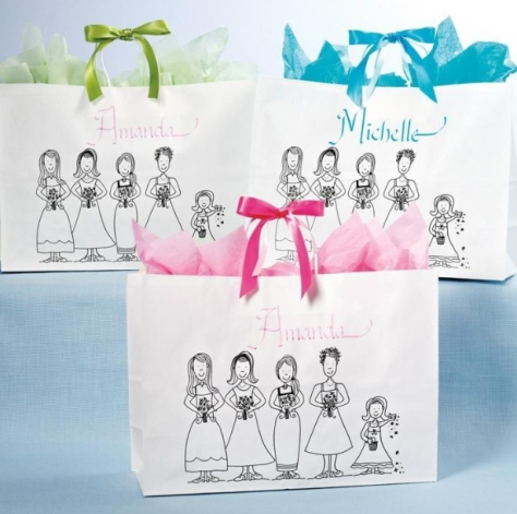 Personalized Totes via exclusivelyweddings.com