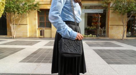 Courtesy of Lara Speaks Style blog, Click to Original Post